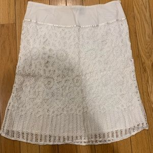 APT 9 beautiful embroidered white lace skirt.